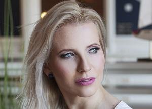 Anna-Breast-augmentation-eyelid-correction-300x215